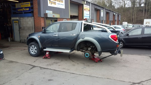 Read Wombourne Tyres, Staffordshire Reviews